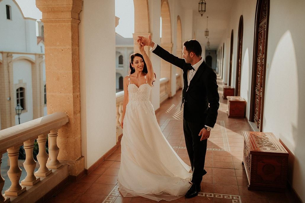 Φθινοπωρινός destination γάμος με fairy lights και elegant λεπτομέρειες │ Jasmine & Νίκος