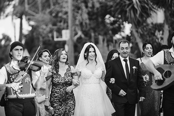fall-wedding-nicosia-lush-florals_09