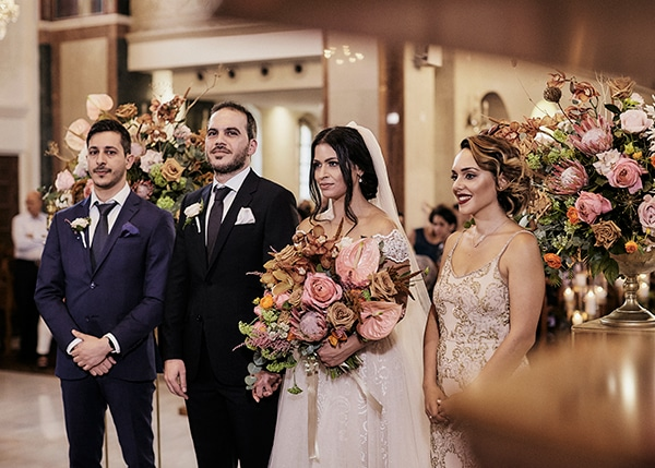 fall-wedding-nicosia-lush-florals_12