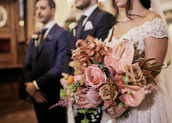 fall-wedding-nicosia-lush-florals_13