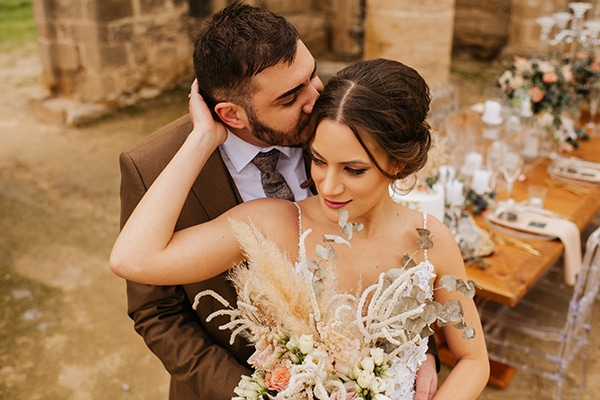 most-romantic-styled-shoot-dried-flowers-bohemian-elements_09x