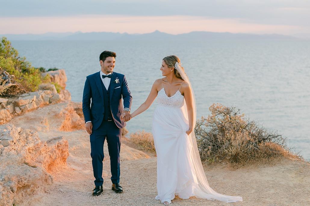 Υπαίθριος καλοκαιρινός γάμος στην Αθήνα με χρυσές λεπτομέρειες και παχύφυτα│ Νάνα & Γιώργος