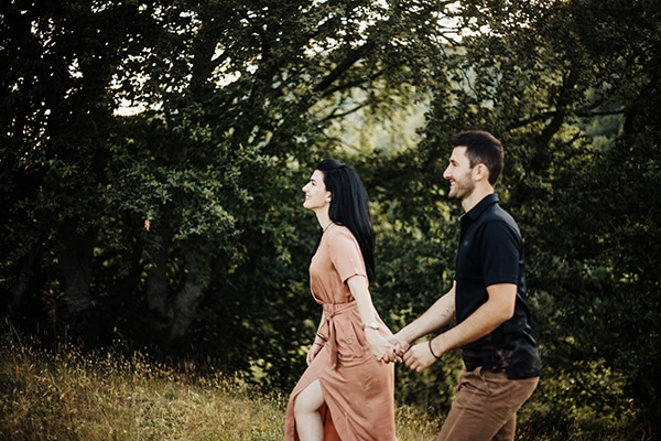 romantic-engagement-shoot-in-nature-_02