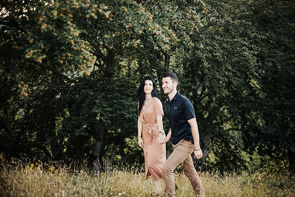 romantic-engagement-shoot-in-nature-_08
