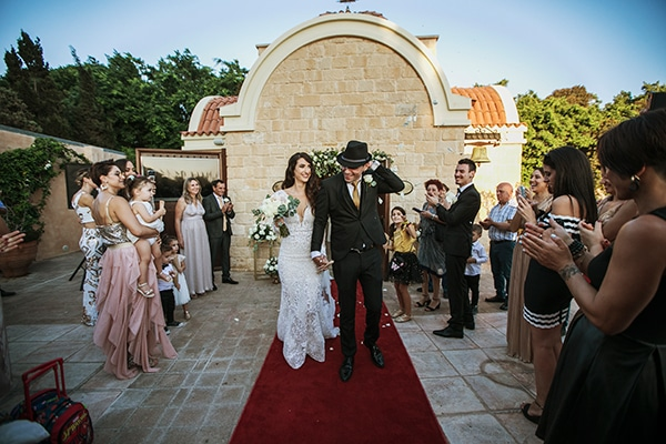 Ρομαντικός φθινοπωρινός γάμος στην Πάφο σε παστέλ αποχρώσεις │ Τζίνα & Γιάννος