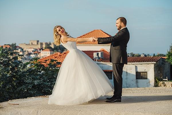 romantic-fall-wedding-rhodes-white-hues-elegant-gold-details--_04