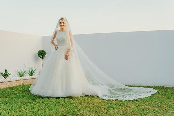 romantic-fall-wedding-rhodes-white-hues-elegant-gold-details--_15