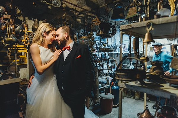 romantic-fall-wedding-rhodes-white-hues-elegant-gold-details--_34