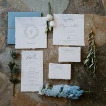 Ρομαντικα προσκλητηρια γαμου σε γαλαζιες αποχρωσεις
