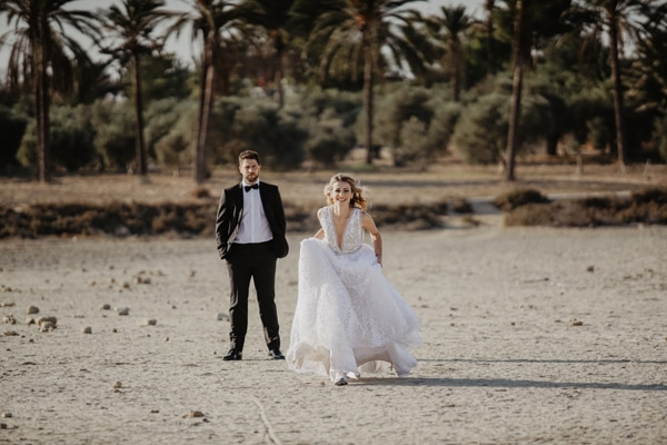 romantic-summer-wedding-larnaca-hydrangeas-dusty-pink-details-_01x