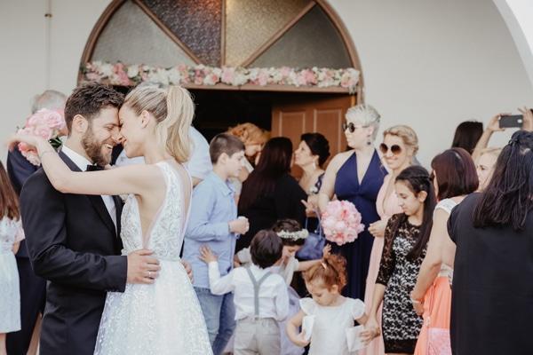 romantic-summer-wedding-larnaca-hydrangeas-dusty-pink-details-_15x
