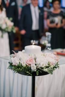 Ρομαντικος στολισμος λαμπαδας σε παστελ αποχρωσεις