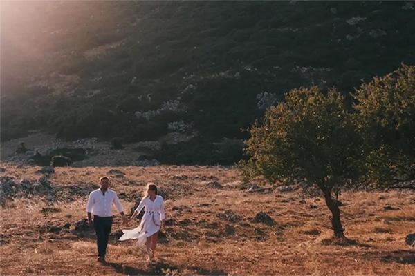 Ρομαντικό βίντεο καλοκαιρινού γάμου στην Αράχωβα │ Eυαγγελία & Σπύρος