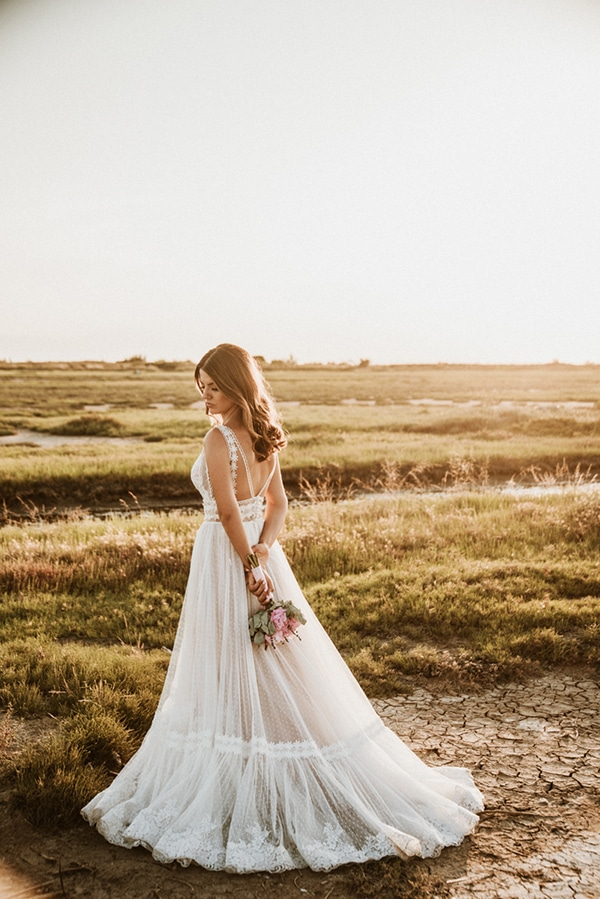 rustic-summer-wedding-thessaloniki-lavender-peonies_03x