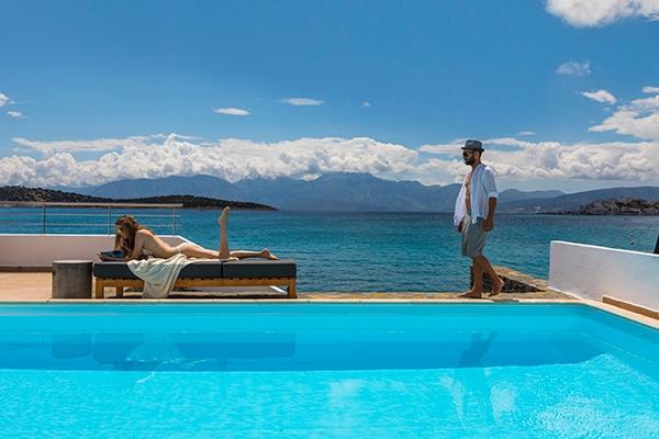 unforgettable-wedding-party-minos-beach-hotel-crete-_01x