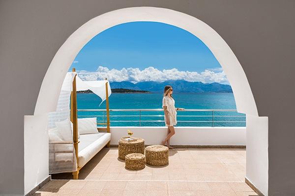 unforgettable-wedding-party-minos-beach-hotel-crete-_02