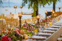 Colorful στολισμος δεξιωσης για εναν garden theme wedding