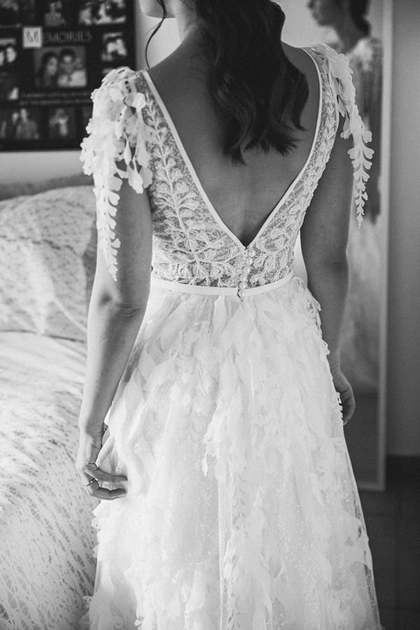 autumn-wedding-nicosia-pastel-white-flowers_03x