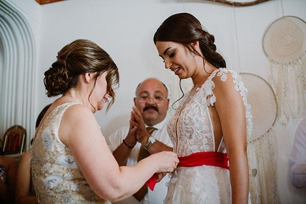 autumn-wedding-nicosia-pastel-white-flowers_05