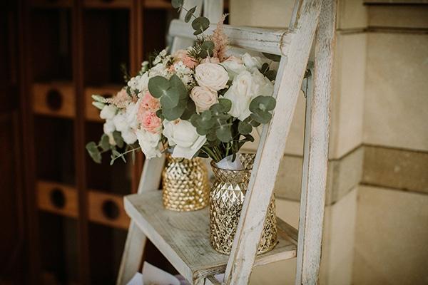 autumn-wedding-nicosia-pastel-white-flowers_10