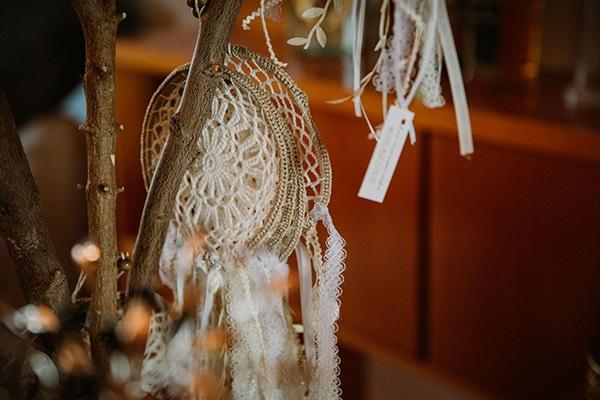 autumn-wedding-nicosia-pastel-white-flowers_11