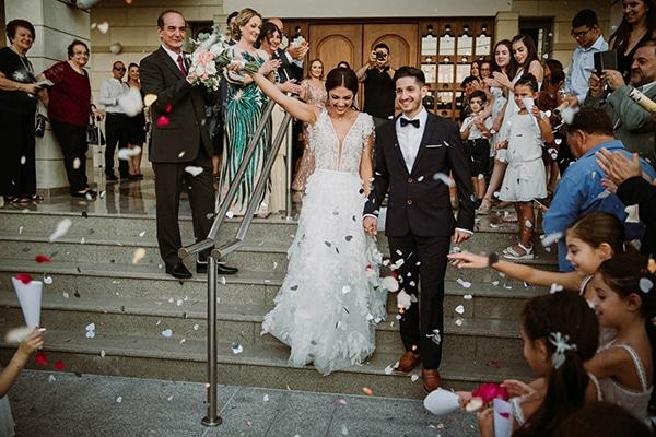 autumn-wedding-nicosia-pastel-white-flowers_18