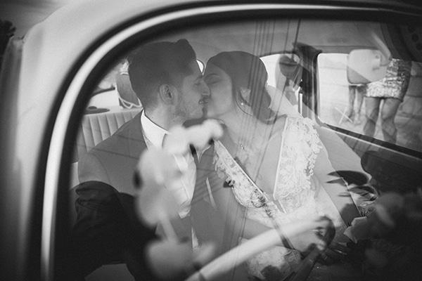 autumn-wedding-nicosia-pastel-white-flowers_19