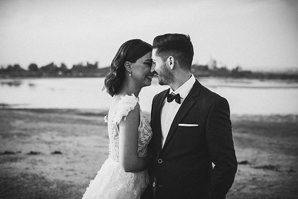 autumn-wedding-nicosia-pastel-white-flowers_25