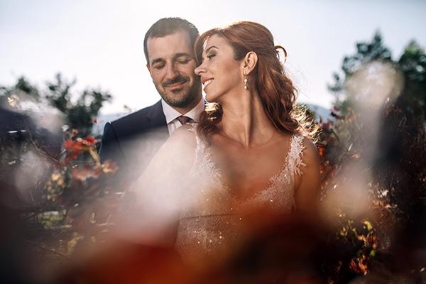 Ομορφος φθινοπωρινος γαμος στην Αθηνα με κοκκινες παιωνιες │ Μαρα & Σπυρος