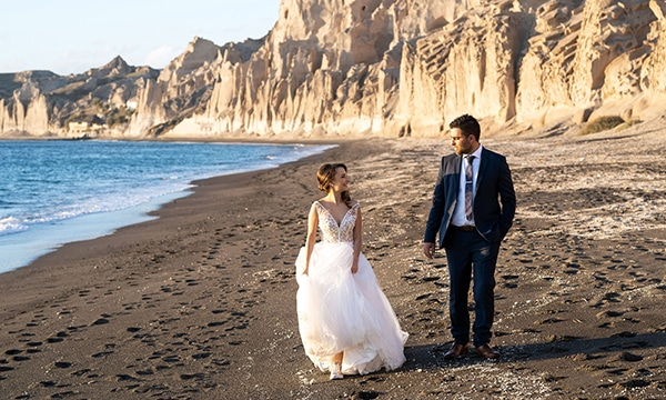 dusty-blue-fall-wedding-santorini_01