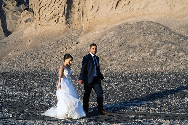 dusty-blue-fall-wedding-santorini_04