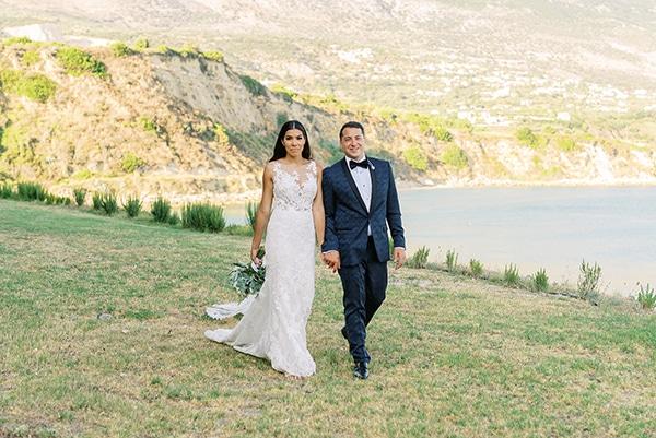 elegant-wedding-kefalonia-pretty-white-flowers_02