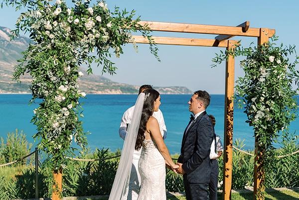 elegant-wedding-kefalonia-pretty-white-flowers_21