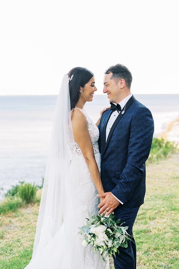 elegant-wedding-kefalonia-pretty-white-flowers_35
