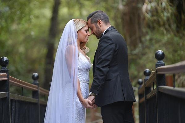 fall-wedding-nicosia-pastel-hues-gold-details-_00