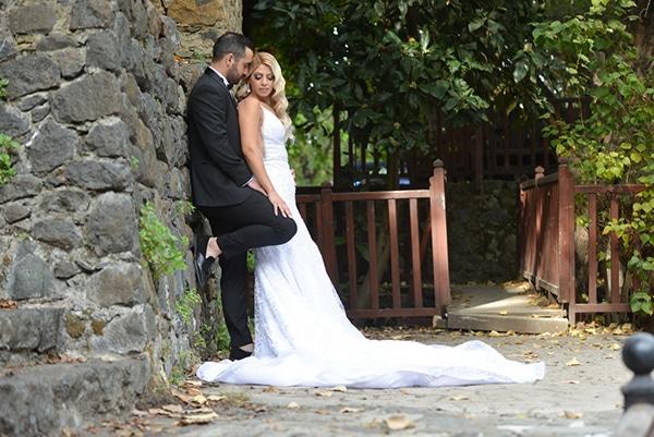 fall-wedding-nicosia-pastel-hues-gold-details-_01