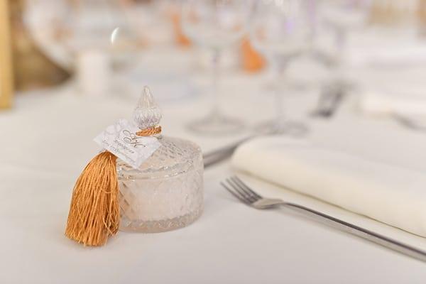 fall-wedding-nicosia-pastel-hues-gold-details-_22x