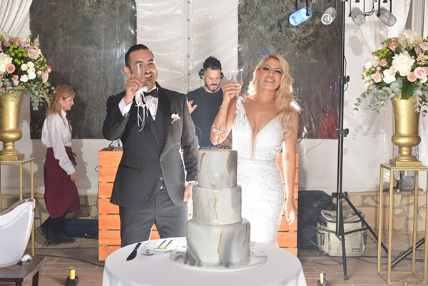 fall-wedding-nicosia-pastel-hues-gold-details-_24x