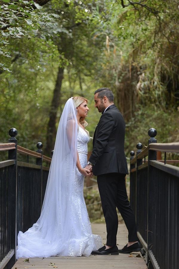 fall-wedding-nicosia-pastel-hues-gold-details-_28