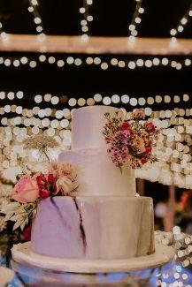 Τριώροφη τούρτα γάμου με marble design