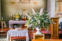 Εντυπωσιακοι αμφορεις με λουλουδια για στολισμο εκκλησιας