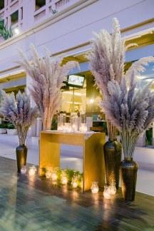 Luxurious στολισμος  δεξιωσης γαμου με pampas grass και χρυσα διακοσμητικα