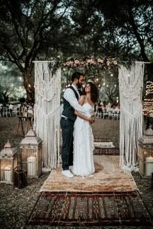 Boem στολισμος υπαιθριας δεξιωσης γαμου με macramé