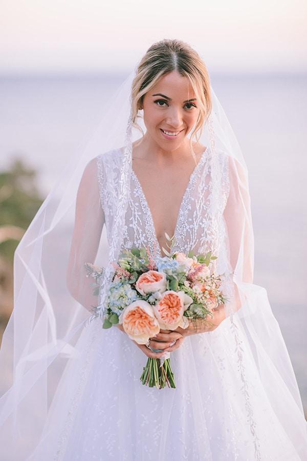 Ρομαντικη νυφικη ανθοδεσμη με παιωνιες και ορτανσιες
