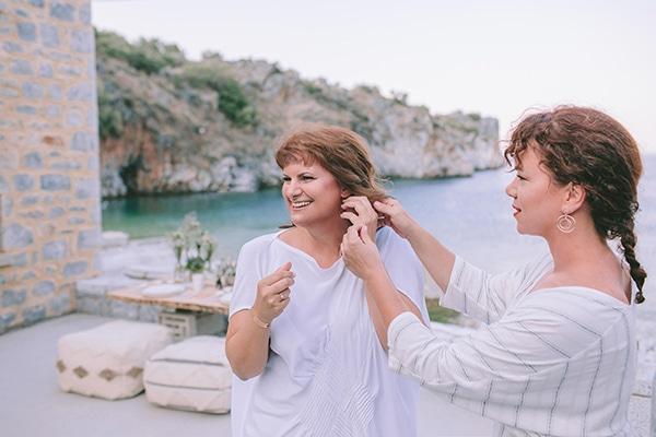 romantic-elopement-mani-stunning-sea-view_06