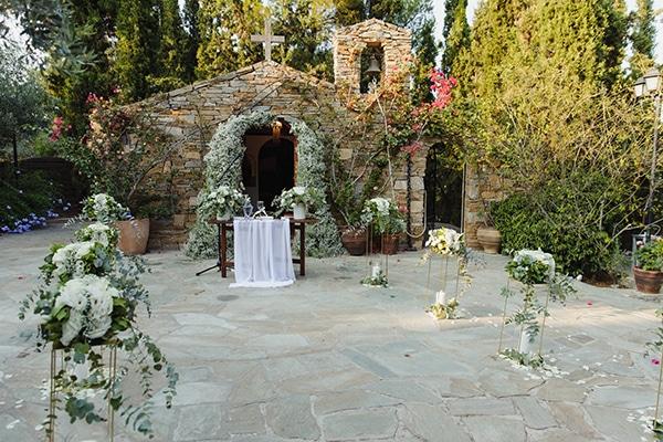 romantic-summer-wedding-athens-baby-breath-eucalyptus_11