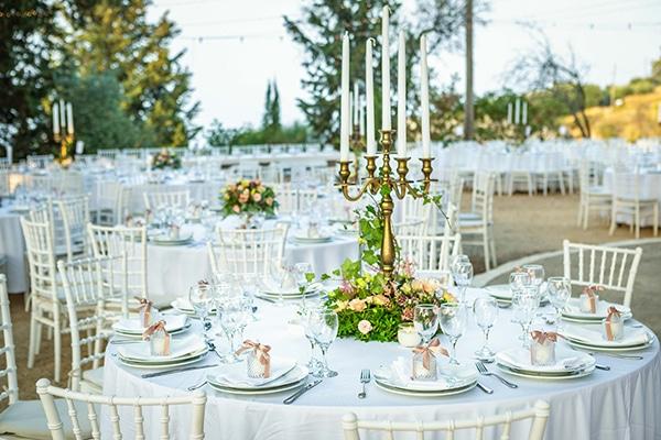 Elegant χρυσα κηροπηγια για centerpieces τραπεζιων δεξιωσης γαμου