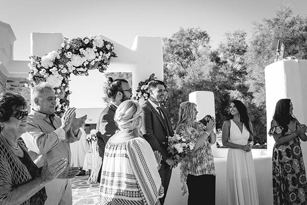summer-wedding-paros-white-blue-hues_12x