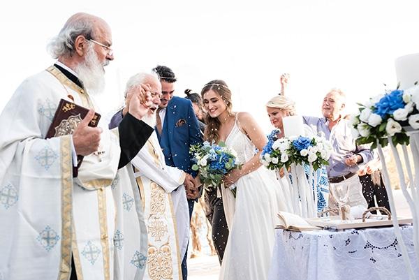 summer-wedding-paros-white-blue-hues_19