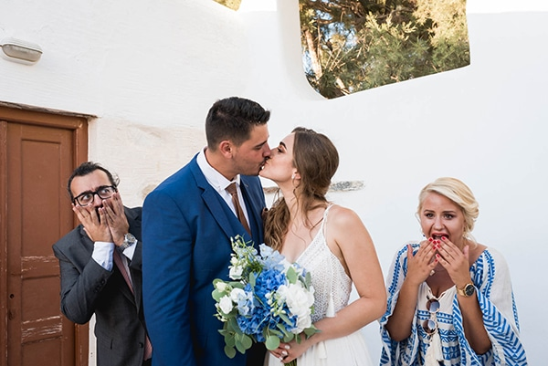 summer-wedding-paros-white-blue-hues_20